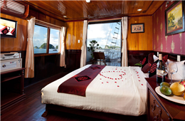 Honeymoon Suite Cabins